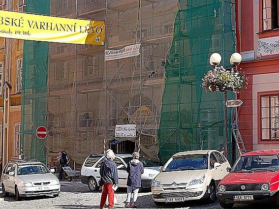 Dům na náměstí dostane nová okna i fasádu