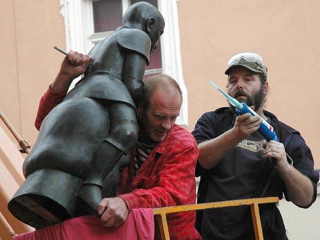 David a Goliáš dali instalujícím pracovníkům opravdu zabrat