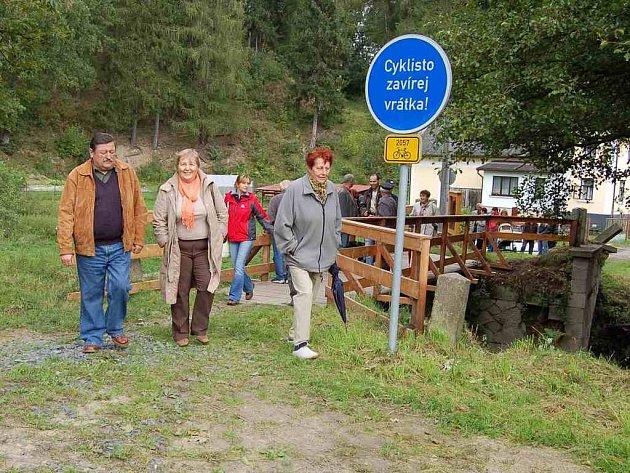 Naučná stezka okolo hradu Seeberg má sloužit pěším a cyklistům, nikoliv motokářům