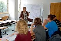 NADŠENÍ PRO ČEŠTINU je na studentech z Německa znát.  I přes její obtížnost se s  ní zatím vypořádali  bravurně a zápal jim zůstává i nadále.
