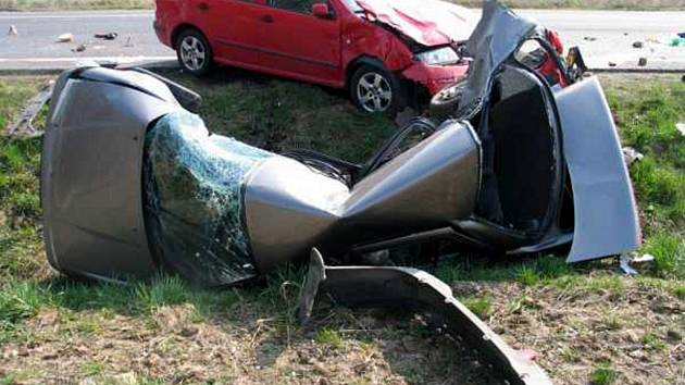 Tragická dopravní nehoda se stala ve středu 8. dubna nedaleko od Zátiší u Františkových Lázní