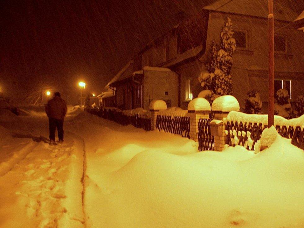 Sníh zasypal také Aš.