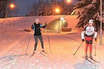 BĚŽKAŘI. In–line dráhu na vrchu Háj v Aši na zimu obsadí běžkaři. Už od minulého týdne ji mohou využít denně do 20 hodin.
