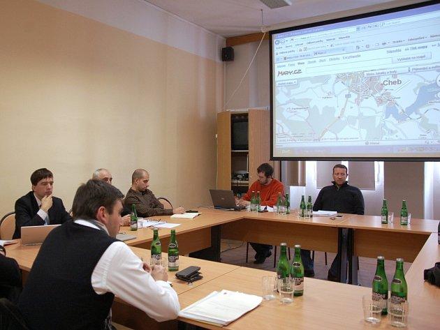 Jednání o obchvatu na chebské radnici.