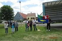 Znak a vlajku obec představila na oslavě výročí založení.