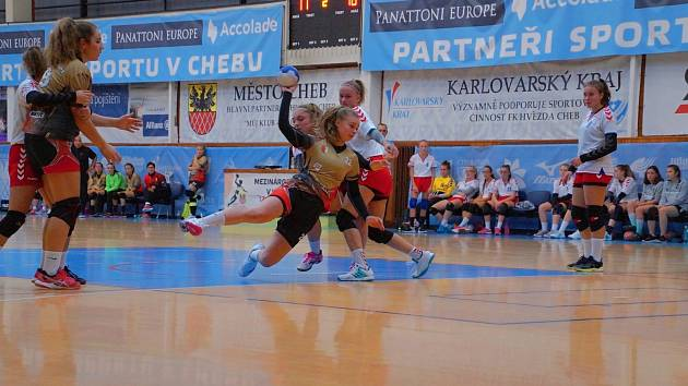 Starší žákyně Kynžvartu urvaly přímý postup do Žákovské ligy.