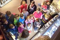 Také o letošních jarních prázdninách si v muzeu užívala třicítka dětí ve věku od 6 do 15 let. Všichni společně se tak po celý týden ´ponořili zejména do doby bronzové´.