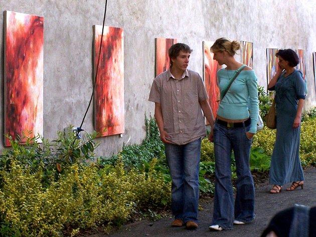 Kulturní festival Chebské dvorky lákají staré i mladé milovníky umění