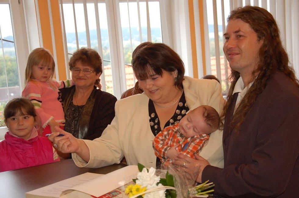Žandovští přivítali pět nových občánků