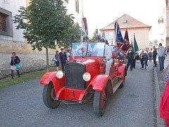 Ukázky hasičské techniky, spanilá jízda traktorů anebo slavnostní průvod městem. To vše bylo součástí letošních velkolepých Slavností města Skalná na Chebsku.