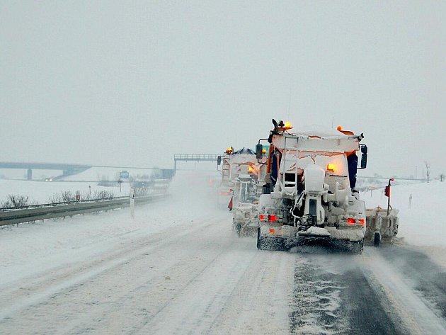 Rozmary počasí na Chebsku potrápily nejen silničáře.