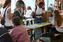 NEZISKOVÉ ORGANIZACE SE V CHEBU BUDOU prezentovat na podzim už potřetí. Tentokrát se ale předvedou  v areálu chebské městské knihovny
