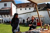 Jako každý rok se i letos na svátek svatého Václava otevřely brány hradu Seeberg u Františkových Lázní.