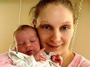 ADAM ZEMKO se poprvé rozkřičel v úterý 23. února v 16.30 hodin. Na svět přišel s váhou 3140 gramů a mírou 49 centimetrů. Doma v Aši se z malého Adámka radují sourozenci Denis a Krystínka spolu s maminkou Irenou a celou rodinou.