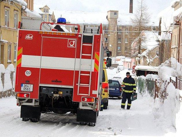 Muž z Aše skončil na interní JIP chebské nemocnice poté, co se přiotrávil kysličníkem. Pravděpodobně mu zhasla plynová karma.