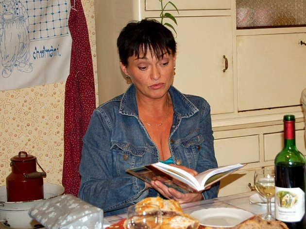 Loňského Knihobraní se v chebském muzeu zúčastnila slvaná česká herečka Valerie Zawadská.