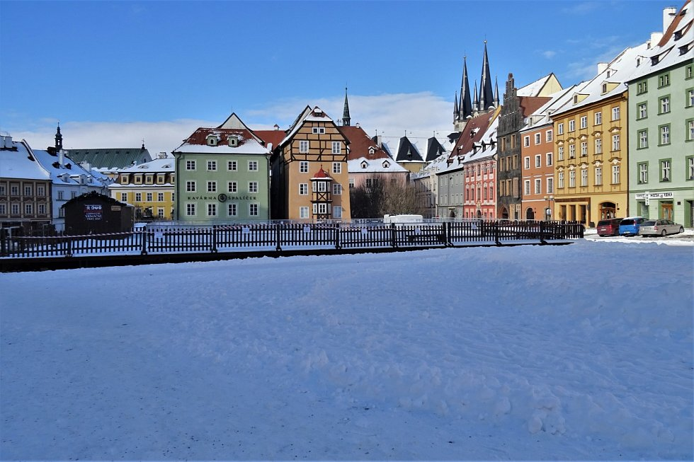 Několik fotografií zasněženého centra města Chebu zaslal chebský fotograf Karel Brukner.