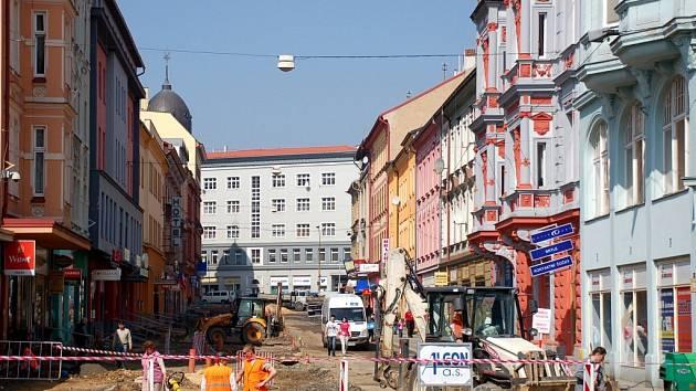 Práce na chebské pěší zóně v úterý 7. dubna
