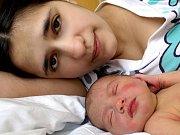 LUCIE PEKÁRKOVÁ přišla na svět v sobotu 20. února ve 4.20 hodin. Vážila 3540 gramů a měřila 50 centimetrů. Doma v Chebu se z malé Lucinky raduje maminka Lucie a tatínek Matěj.