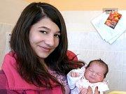 LUCIE RADOVÁ přišla na svět ve středu 24. února ve 2.10 hodin. Vážila 3180 gramů a měřila 48 centimetrů. Doma v Tršnicích-Doubí se z malé Lucinky raduje Kristýnka a maminka Jaroslava spolu s tatínkem Milanem.