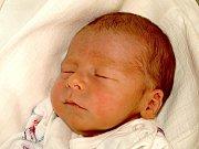MARTIN VANĚK přišel na svět v úterý 23. února v 9.08 hodin. Vážil 3400 gramů a měřil 50 centimetrů.Tří a půlletý Šimonek, maminka Martina a tatínek Tomáš se z malého Martínka radují doma v Dolním Žandově.