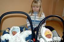 Dvojčátka  Tereza a Filip Žaludovi  z Chebu se narodila 2. února v karlovarské porodnici. Do nemocnice za nimi přišla i starší sestřička