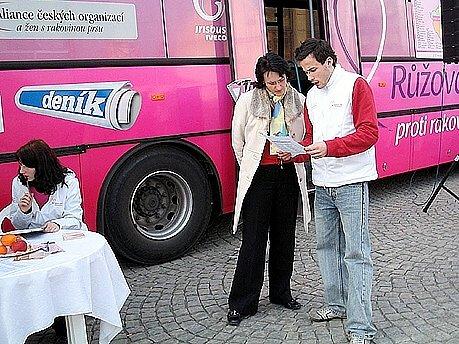 Růžový autobus zavítá i na Chebsko