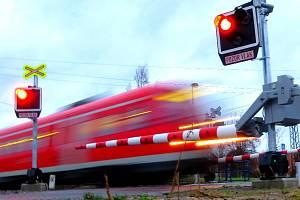 Železniční přejezd v Milhostově dostane letos nové zabezpečení.