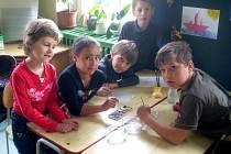 CHRÁNIT PŘÍRODU, to je jeden z cílů drmoulské školy. Děti si společně připomněly Den Země projektovým týdnem.
