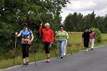 Součástí zábavného triatlónku v sobotu 20. června ve Vonšově byl i Nordic walking