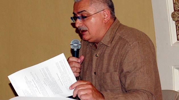 FRANTIŠKOLÁZEŇSKÝ MĚSTSKÝ ZASTUPITEL František Šnajdauaf na posledním rokování zastupitelů tvrdil, že  má obavy z  manipulace se zápisy.