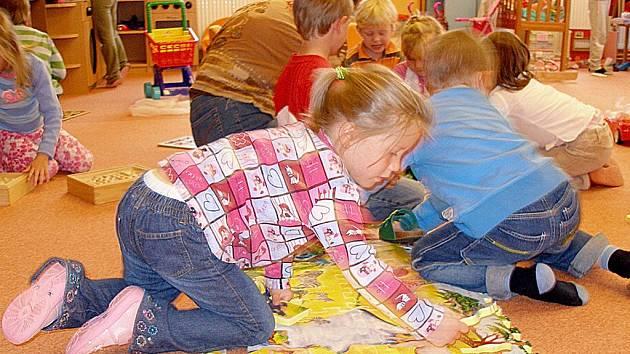 Letos přijely poprvé do školky ve Skalně děti z nedalekého německého Konnersreuthu