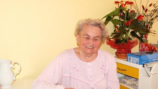 PLNÁ OPTIMISMU a s úsměvem na tváři, to je seniorka Anděla Kopičková.