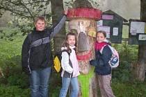 VÝLET. Pouze tři děti si udělaly s DDM Sova Cheb výlet do Salajny a Milíkova. Nelitovaly.