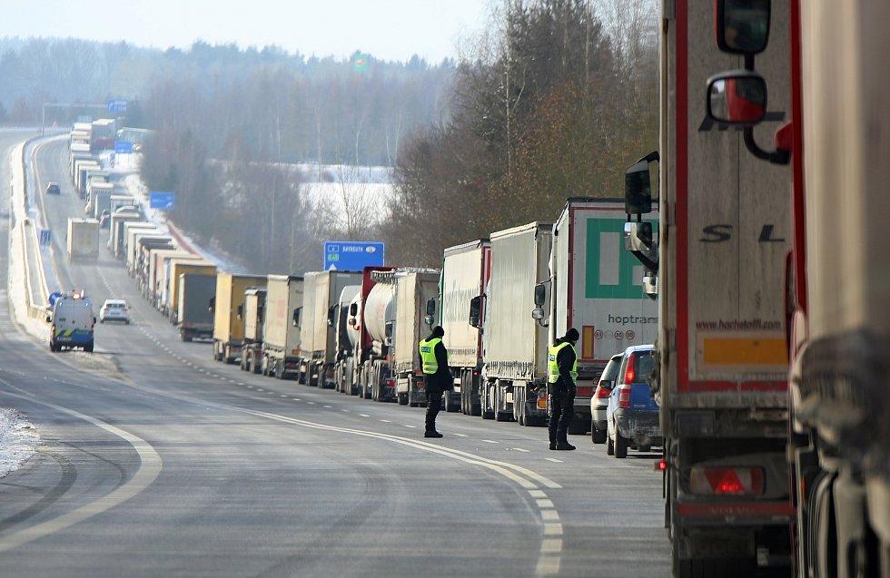 Situace na hraničním přechodu Pomezí nad Ohří.