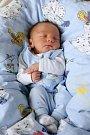 PETR GÁBOR se narodil v sobotu 30. ledna v 14.55 hodin. Na svět přišel s váhou 2 740 gramů a mírou 48 centimetrů. Maminka Jarka a tatínek Petr se těší z malého Petříčka doma v Okrouhlé.