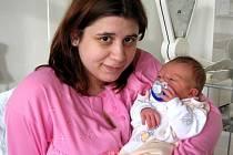 DOMINIKA SVATÍKOVÁ z Plesné přišla na svět 1. ledna ve 22.10 hodin jako první miminko roku 2008 narozené v chebské porodnici. Měřila 49 centimetrů a vážila 3,38 kilogramu