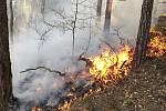 Požáry v Karlovarském kraji zaměstnaly hasiče.
