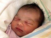 ANNA ISABELA FIKLÍKOVÁ přišla na svět v chebské porodnici ve čtvrtek 29. dubna v 5.25 hodin. Při narození vážila 3050 gramů a měřila 47 centimetrů. Doma v Teplé se už na návrat maminky Lucky a Aničky těší sourozenci Deniska, Honzík, Lucka a tatínek Honza.
