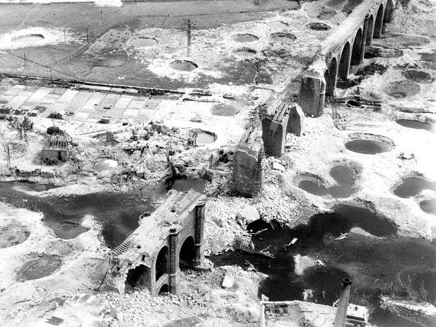 Historické snímky z období konce druhé světové války v Chebu