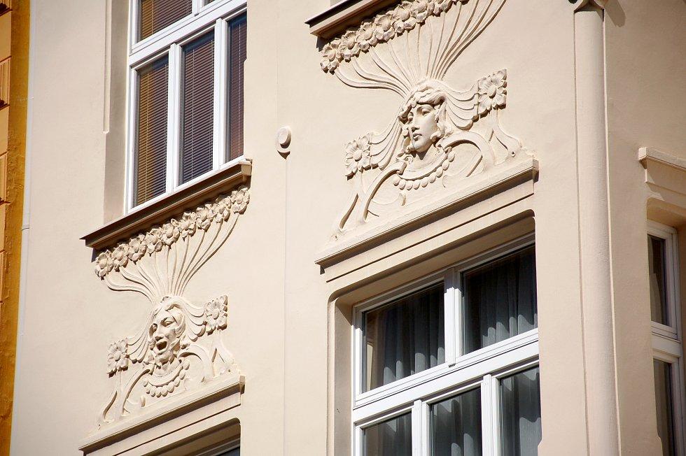 DETAIL 3. Kdo pozná tento chebský dům?