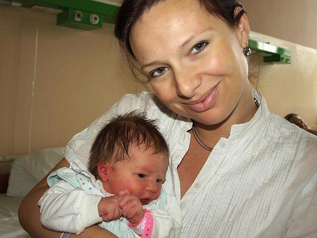ELIŠKA SLIŽOVÁ přišla na svět ve středu 16. září v 6.05 hodin. Při narození vážila krásných 3660 gramů a měřila 53 centimetrů. Třináctiletý Filípek, osmiletá Anička a tatínek Daniel se těší na návrat maminky Heleny a malé Elišky do Františkových Lázní.