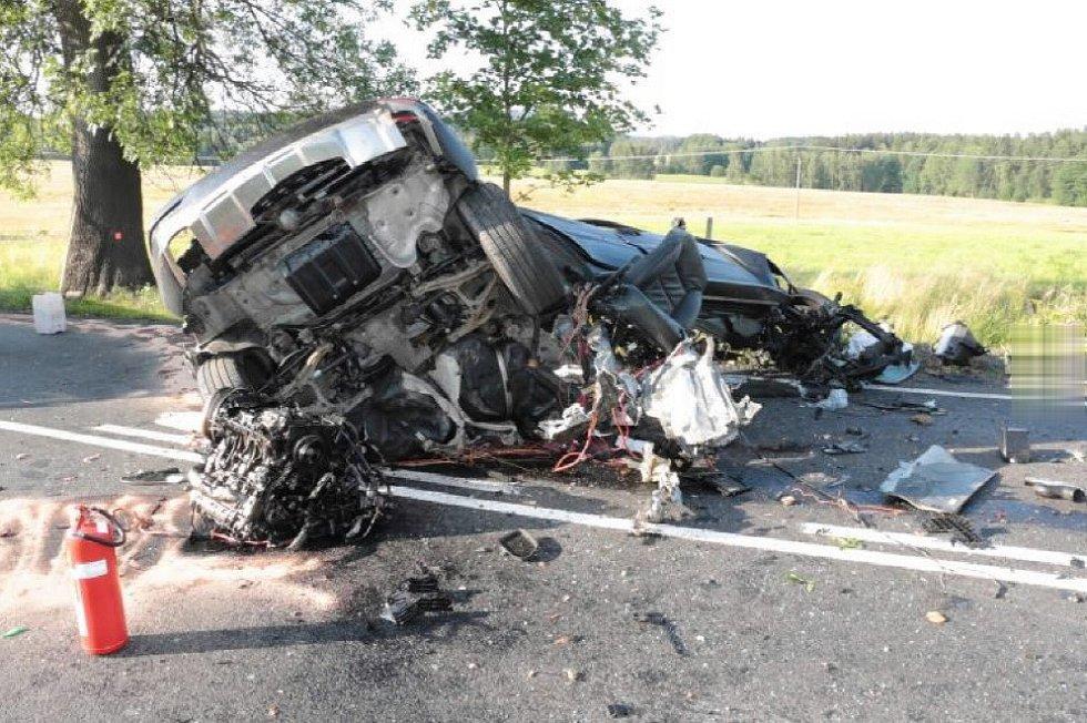 Při nehodě u Hazlova zemřel osmapadesátiletý řidič.