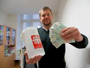 Tříkrálová sbírka v Chebu po týdnu skončila. Koledníkům v ulicích města Chebu a několika okolních obcích se podařilo vybrat přes 180 tisíc korun.