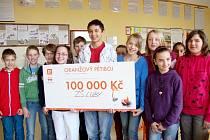 KRÁSNÉ TŘETÍ místo si z Oranžového pětiboje odvezli žáci Základní školy v Lubech. Jako odměnu pro svou školu získali 100 tisíc korun na nové vybavení učebny.