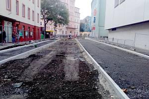 Oprava ulice Obrněné brigády postupuje do poslední fáze. Na konci listopadu bude kompletně hotovo.