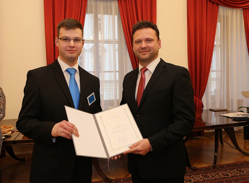 Mezi oceněnými byl i absolvent gymnázia Zdeněk Socha, nyní student 5. ročníku medicíny.