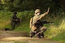 CECH, BÝVALÝ VOJENSKÝ AREÁL, je hojně využívaný airsoftovými teamy. Pro tento militaristický sport je terén v prostorách Cechu ideální.