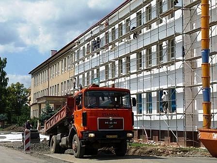 Rekonstrukce chebské 5. základní školy.