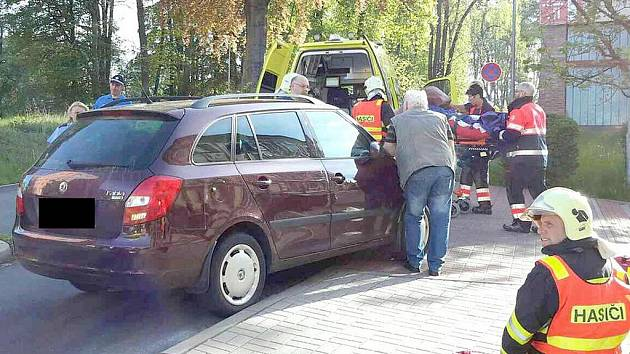 V Aši srazilo auto čtyři chodce